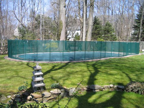 mesh pool fence in green color