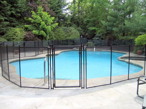 removable mesh pool fences in black
