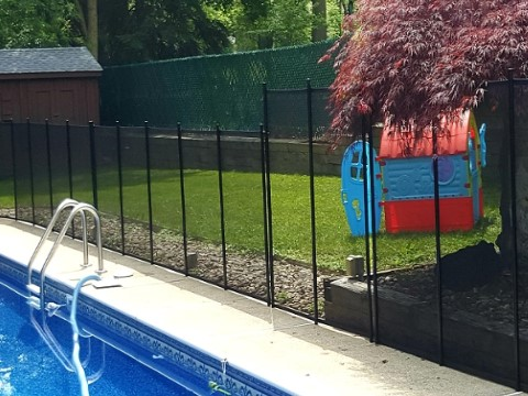 4ft and 5 ft fence combination to accomodate for retaining wall height
